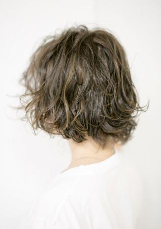 外人風ハイライト+グレージュ+パーマ - Lourdes