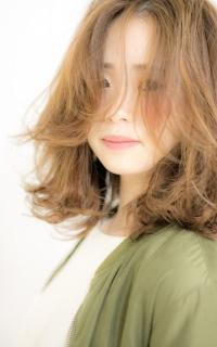 外人風レイヤーカット「重めの髪型に飽きた方にオススメ」 ヘアカタログ