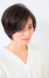 前髪残しのクラシカルショートスタイル  ヘアカタログ