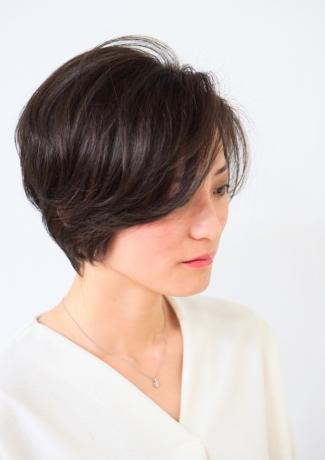 前髪残しのクラシカルショートスタイル  - Lourdes