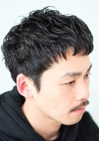 黒髪パーマスタイル ヘアカタログ