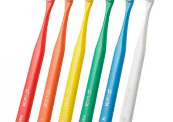 歯ブラシと歯磨き粉を色々試しております→サトウ