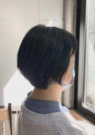 くせ毛でもまとまるショートヘア - Lourdes